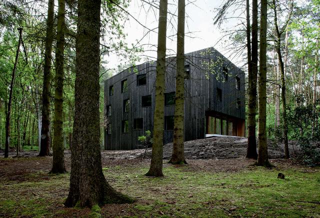 Huis aan't Laar by 51n4e the-tree-mag 04.jpg