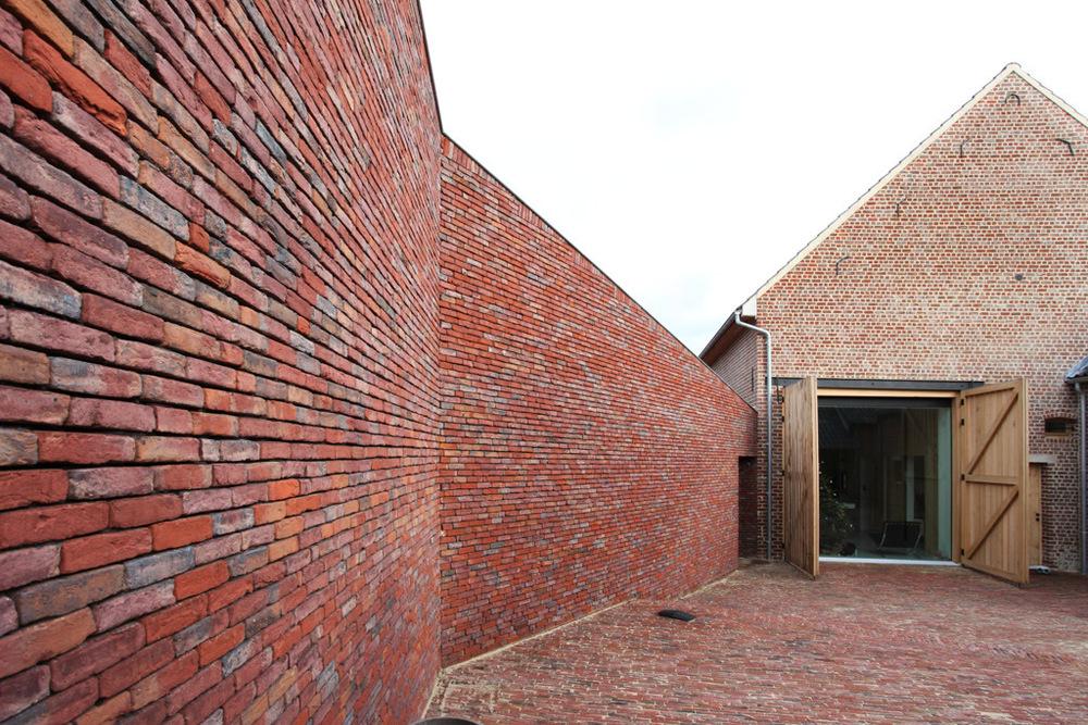 Rabbit hole by Lens'Ass architecten 60.jpg