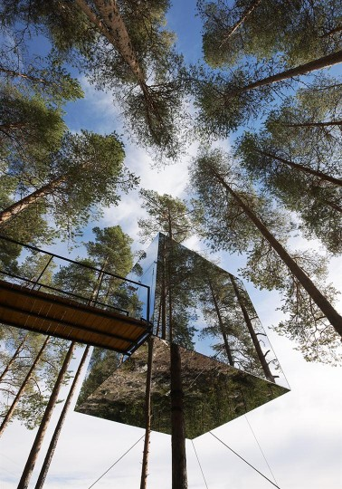 Treehotel - Mirrorcube by Tham & Videgård the-tree-mag 10.jpg