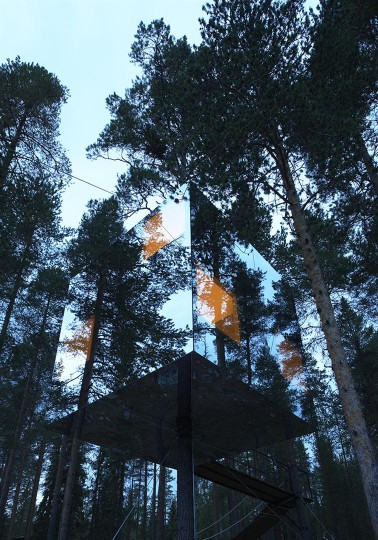 Treehotel - Mirrorcube by Tham & Videgård the-tree-mag 40.jpg