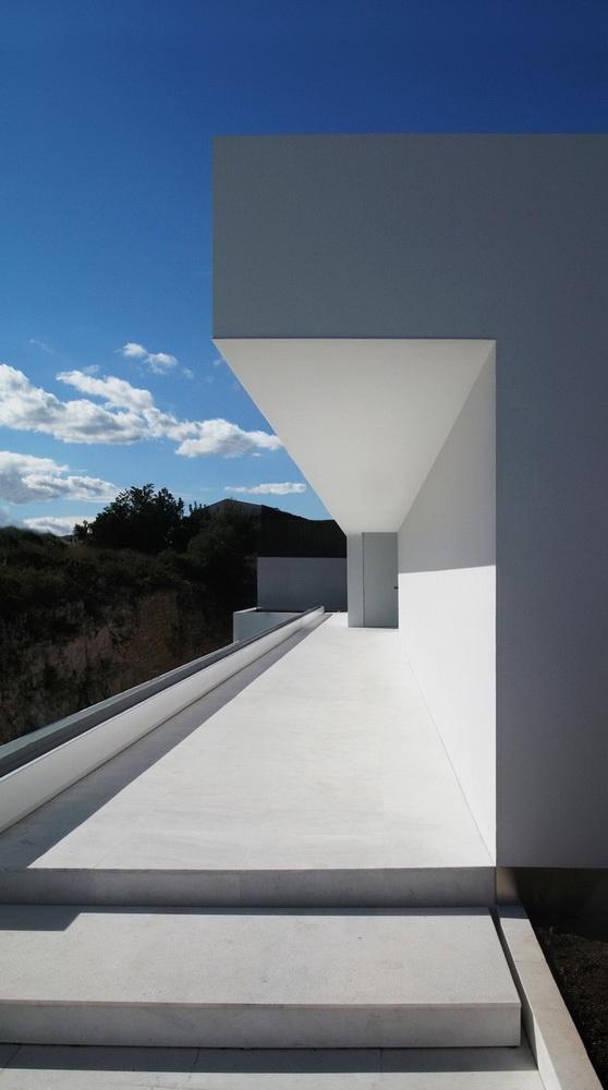 Casa del Atrio by Fran Silvestre Arquitectos the-tree-mag 30.jpg