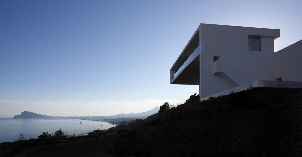 Casa del Acantilado by Fran Silvestre Arquitectos the-tree-mag 100.jpg