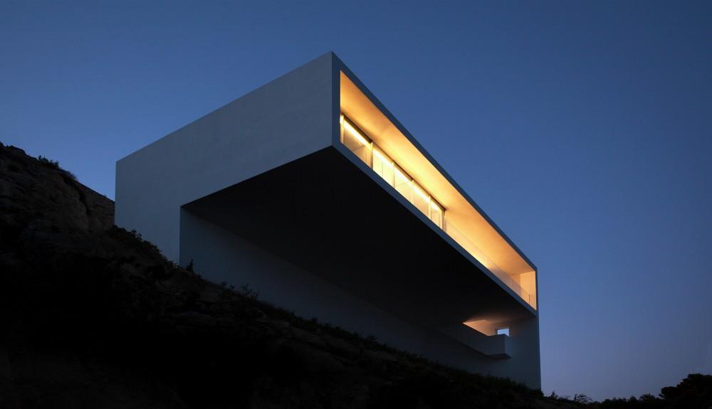 Casa del Acantilado by Fran Silvestre Arquitectos the-tree-mag 1400.jpg