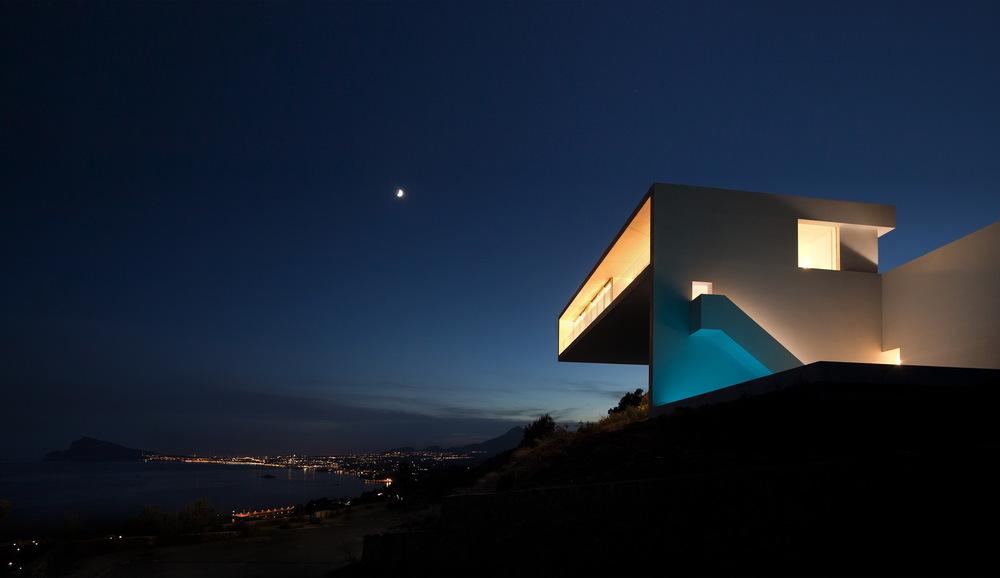 Casa del Acantilado by Fran Silvestre Arquitectos the-tree-mag 2600.jpg