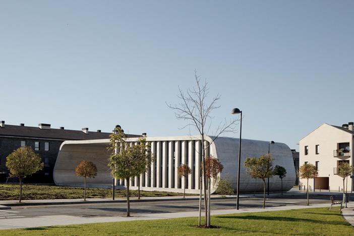 Edificio Dotacional Cordovilla by Itziar Iriarte the-tree-mag 20.jpg