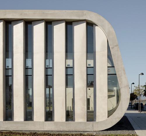 Edificio Dotacional Cordovilla by Itziar Iriarte the-tree-mag 30.jpg