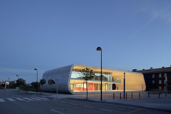 Edificio Dotacional Cordovilla by Itziar Iriarte the-tree-mag 40.jpg