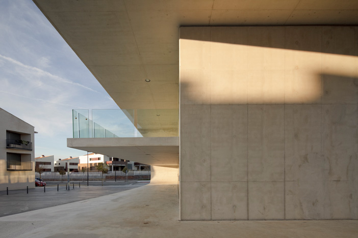Edificio Dotacional Cordovilla by Itziar Iriarte the-tree-mag 50.jpg