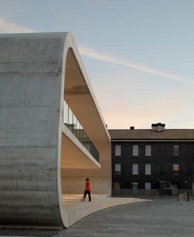 Edificio Dotacional Cordovilla by Itziar Iriarte the-tree-mag 60.jpg