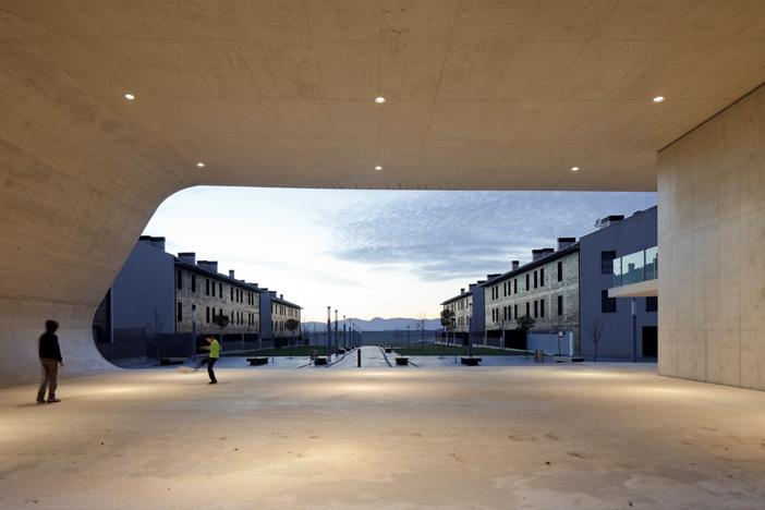 Edificio Dotacional Cordovilla by Itziar Iriarte the-tree-mag 90.jpg