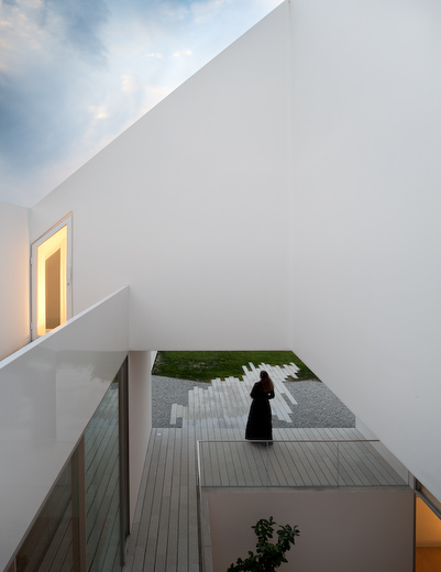 House In Leiria by Aires Mateus the-tree-mag 90.jpg