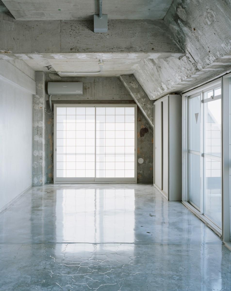 Sayama Flat by Schemata Architects the-tree-mag 100.jpg