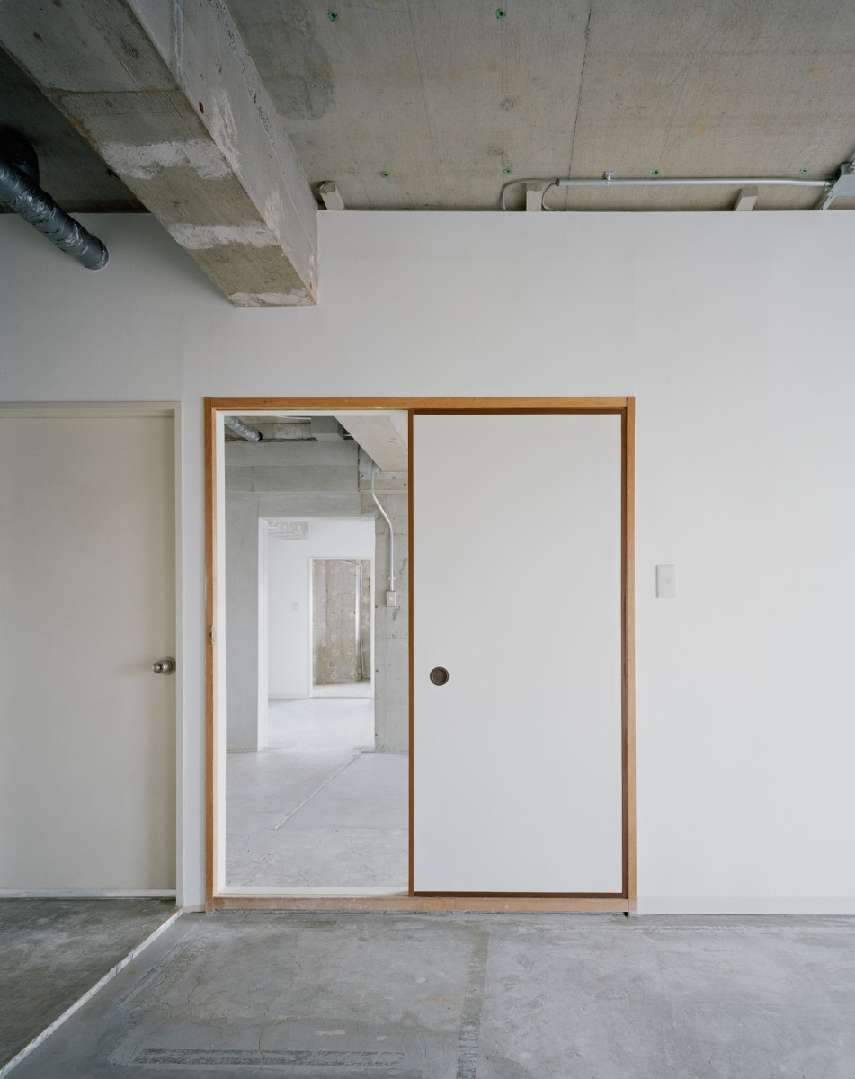 Sayama Flat by Schemata Architects the-tree-mag 110.jpg
