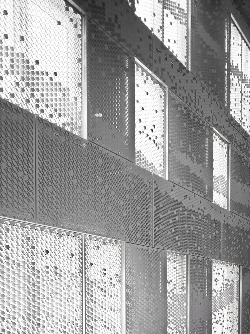 Bent by Chris Kabel the-tree-mag 90.jpg