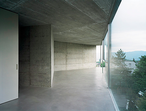 House with one Wall by Christian Kerez the-tree-mag 240 copia.png