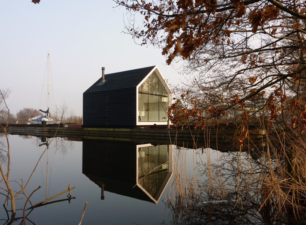 Island House by 2by4-architects the-tree-mag 10.jpg
