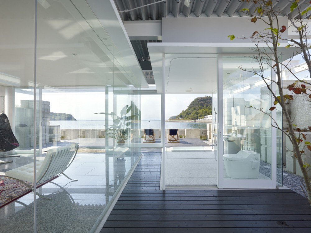 Glass House for Diver by Naf architect & design the-tree-mag 50.jpg