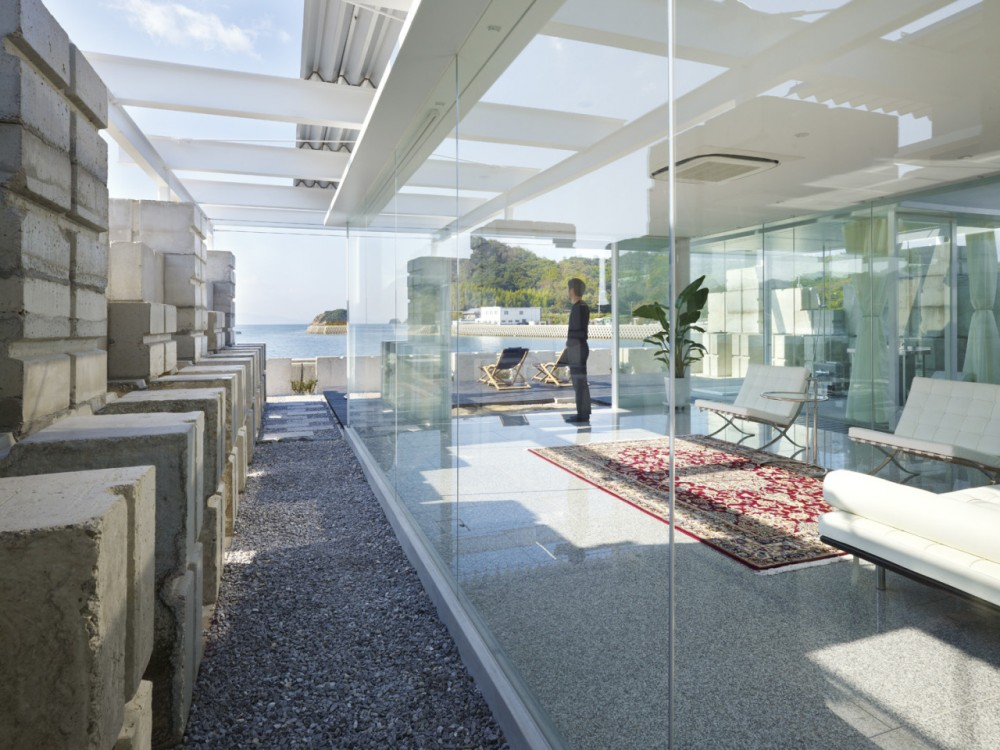 Glass House for Diver by Naf architect & design the-tree-mag 70.jpg