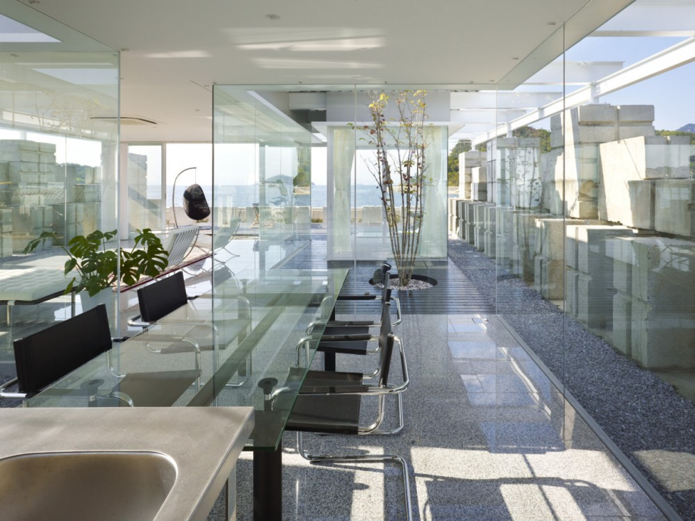 Glass House for Diver by Naf architect & design the-tree-mag 80.jpg