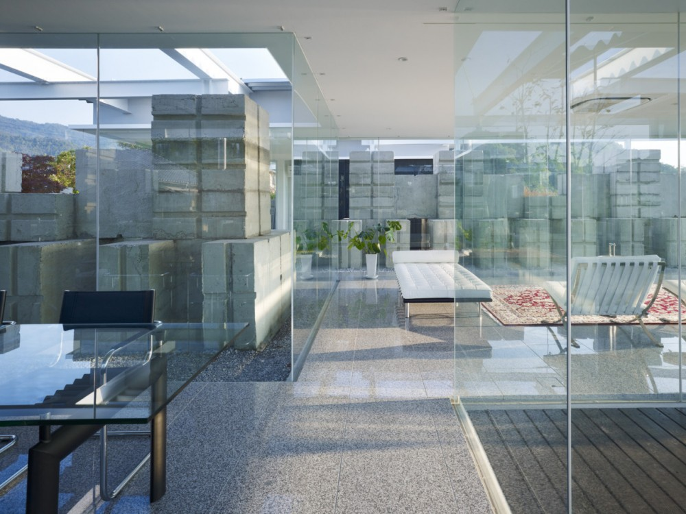 Glass House for Diver by Naf architect & design the-tree-mag 150.jpg