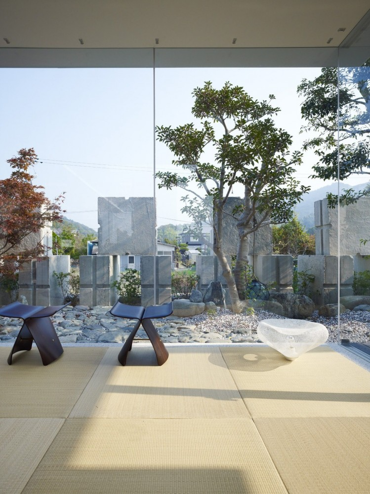 Glass House for Diver by Naf architect & design the-tree-mag 180.jpg