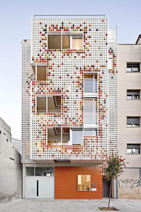 housing-in-badalona-by-lagula-arquitectes-the-tree-mag 10.jpg