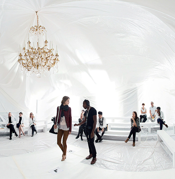 maison-martin-margiela-ss13-installation-by-penique-productions-the-tree-mag-40.jpg