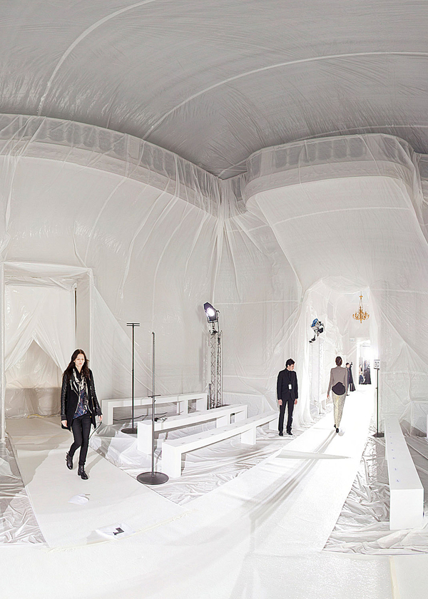 maison-martin-margiela-ss13-installation-by-penique-productions-the-tree-mag-50.jpg