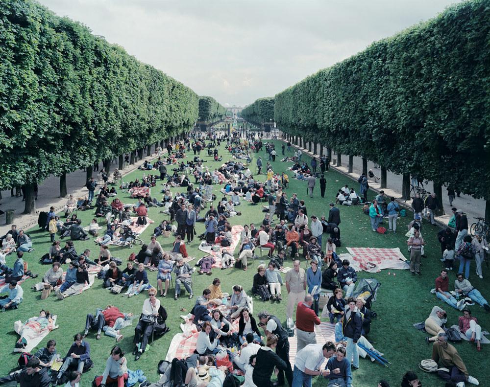 Picnic Allée, 2000, Paris, France