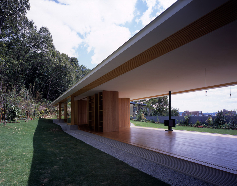 floating-roof-house-by-tezuka-architects-the-tree-mag-10.jpg