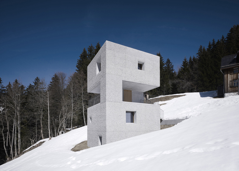 the-tree-mag_mountain-cabin-by-martemarte-architects-30.jpg