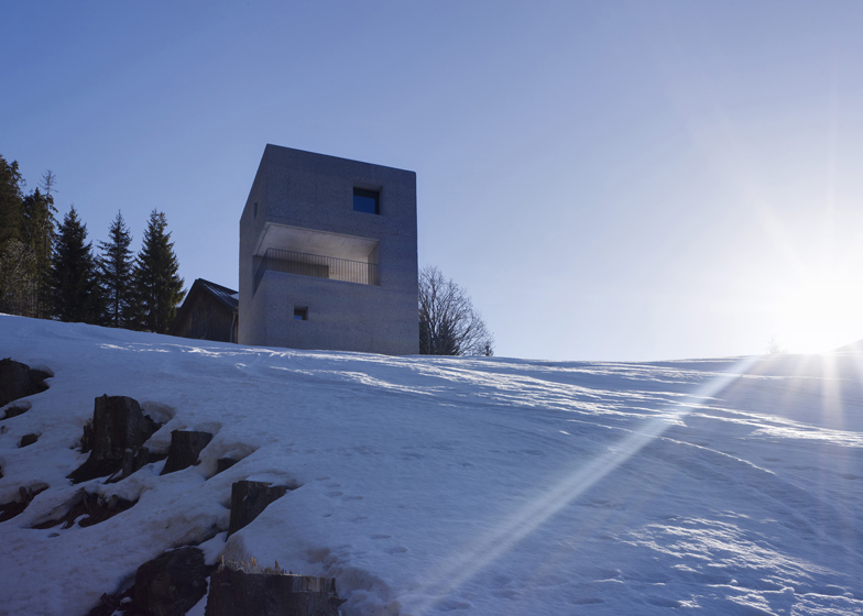 the-tree-mag_mountain-cabin-by-martemarte-architects-100.jpg