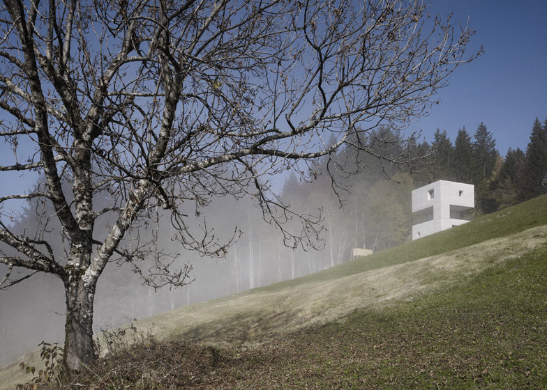 the-tree-mag_mountain-cabin-by-martemarte-architects-120.jpg