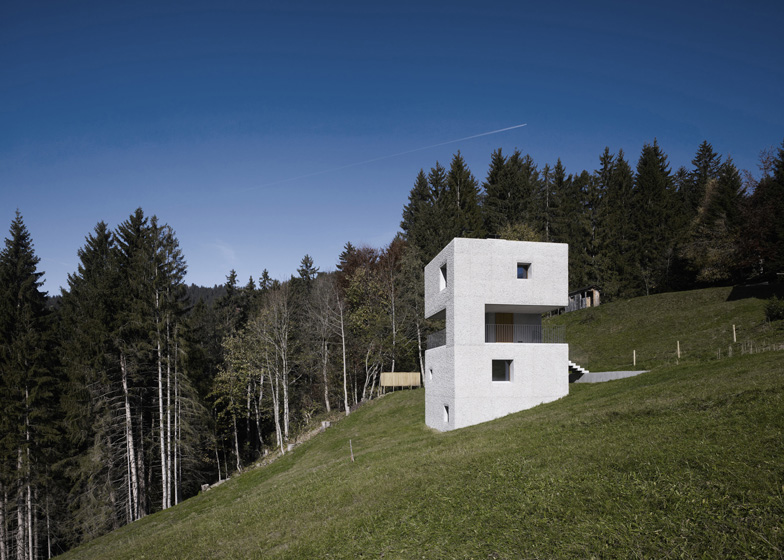 the-tree-mag_mountain-cabin-by-martemarte-architects-130.jpg