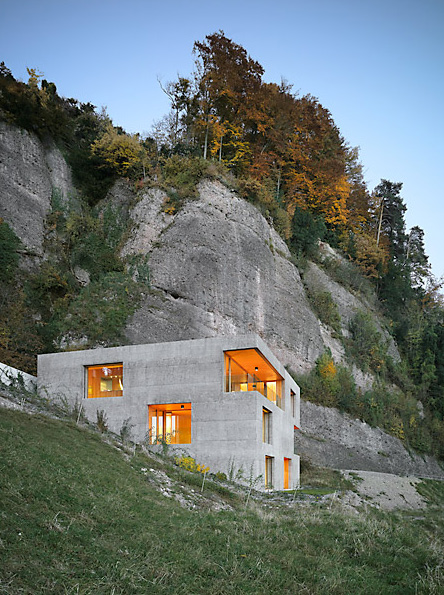 the_tree_mag-holiday-home-in-vitznau-by-daniel-lischer-30.jpg