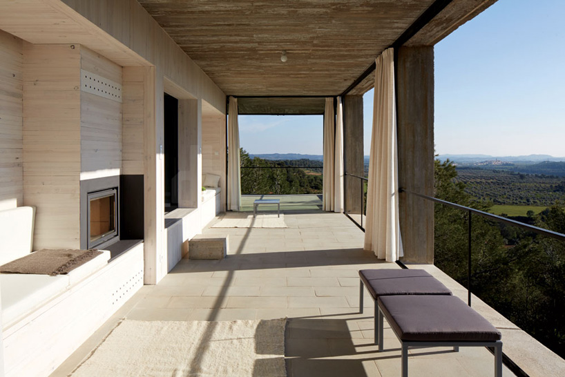 the_tree_mag-solo-houses-by-pezo-von-ellrichshausen-architects-50.jpg