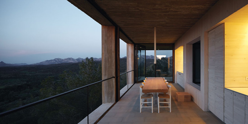 the_tree_mag-solo-houses-by-pezo-von-ellrichshausen-architects-70.jpg