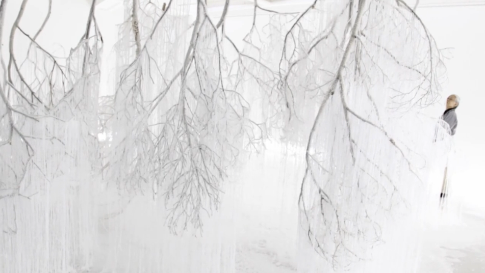 the_tree_mag-vertical-emptiness-by-onishi-yasuaki-180.png