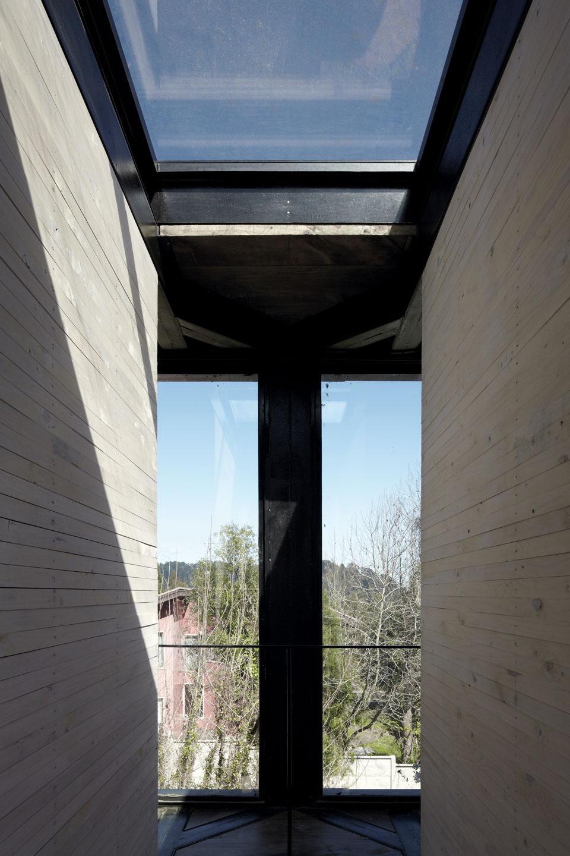 the_tree_mag-arco-house-by-pezo-von-ellrichshausen-30.jpg
