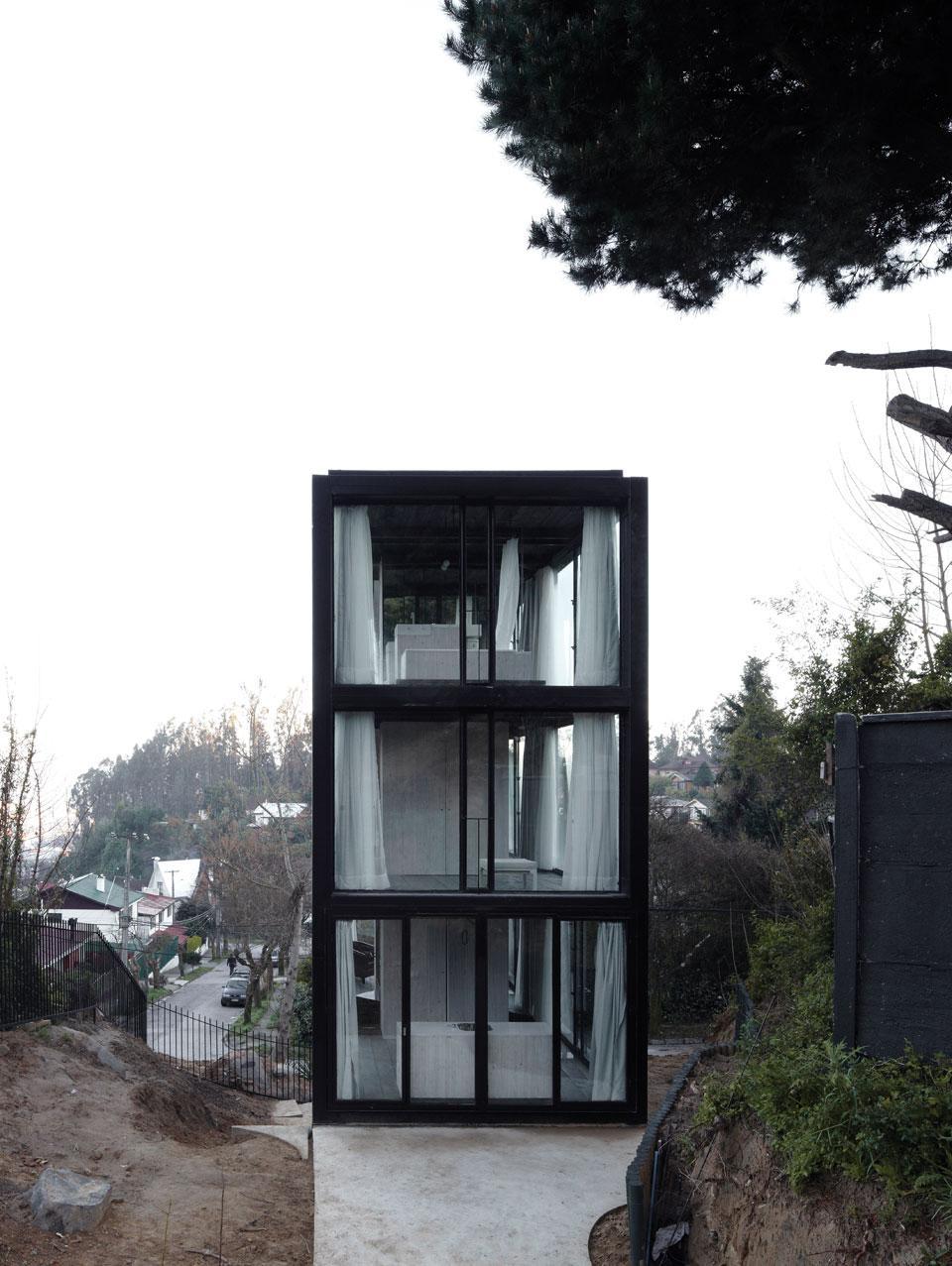 the_tree_mag-arco-house-by-pezo-von-ellrichshausen-40.jpg