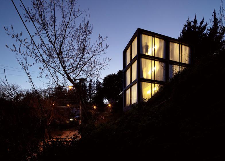 the_tree_mag-arco-house-by-pezo-von-ellrichshausen-90.jpg