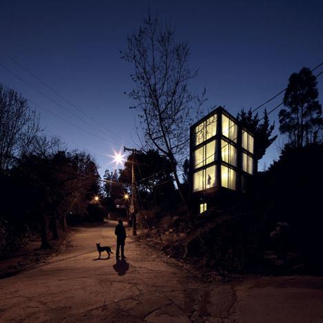 the_tree_mag-arco-house-by-pezo-von-ellrichshausen-100.jpg