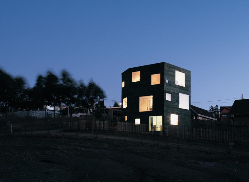 the_tree_mag-fosc-house-by-pezo-von-ellrichshausen-architects-20.jpg