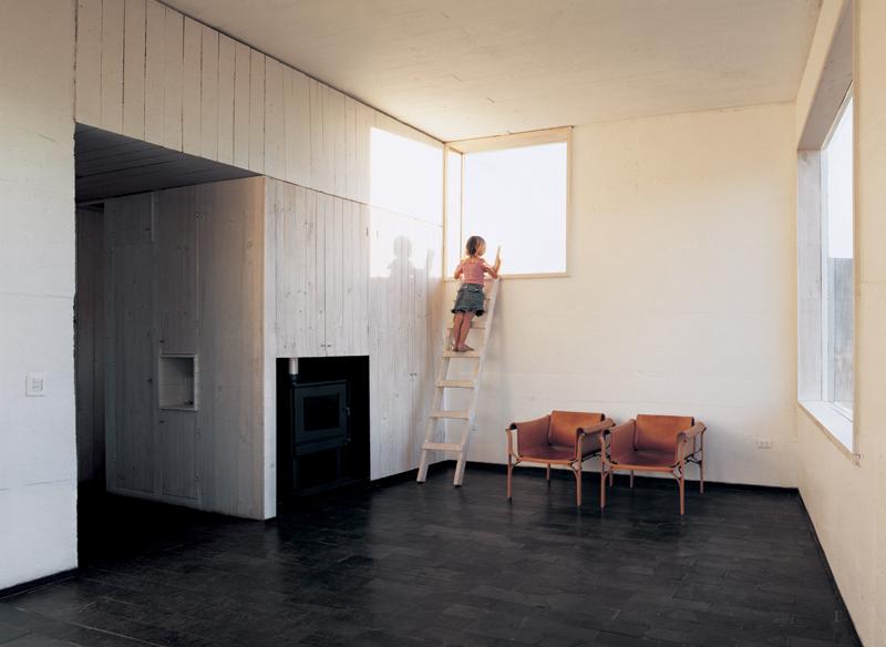 the_tree_mag-fosc-house-by-pezo-von-ellrichshausen-architects-70.jpg
