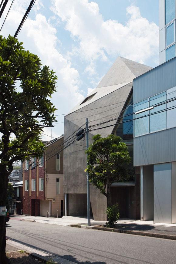 the_tree_mag-house-in-minami-azabu-by-hitoshi-wakamatsu-10.jpg