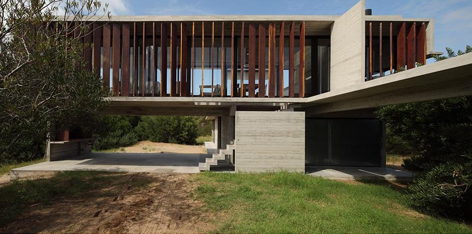 the_tree_mag-costa-esmeralda-house-by-mara-victoria-besonas-luciano-kruk-10.jpeg