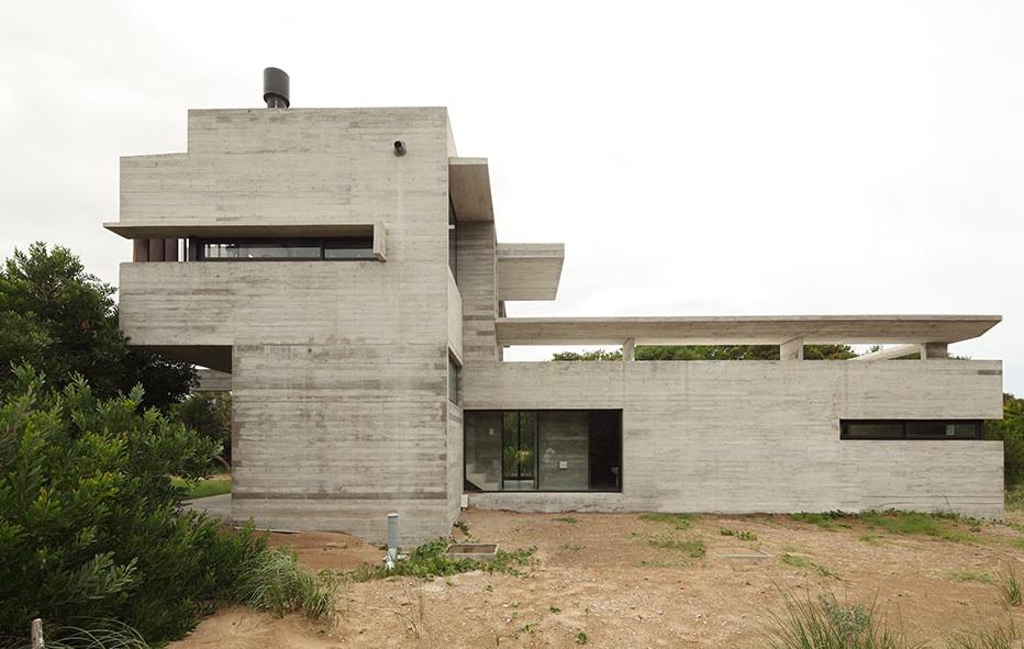 the_tree_mag-costa-esmeralda-house-by-mara-victoria-besonas-luciano-kruk-20.jpeg