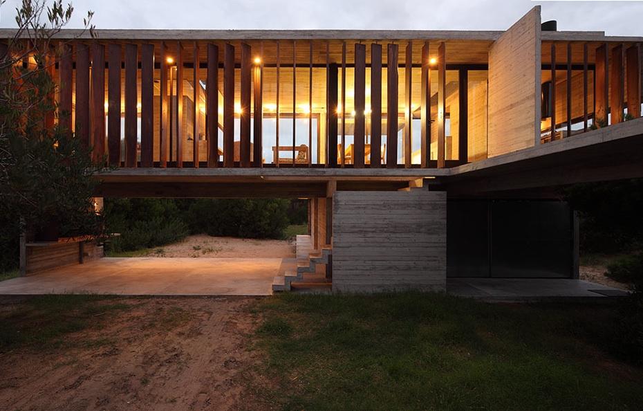 the_tree_mag-costa-esmeralda-house-by-mara-victoria-besonas-luciano-kruk-40.jpeg