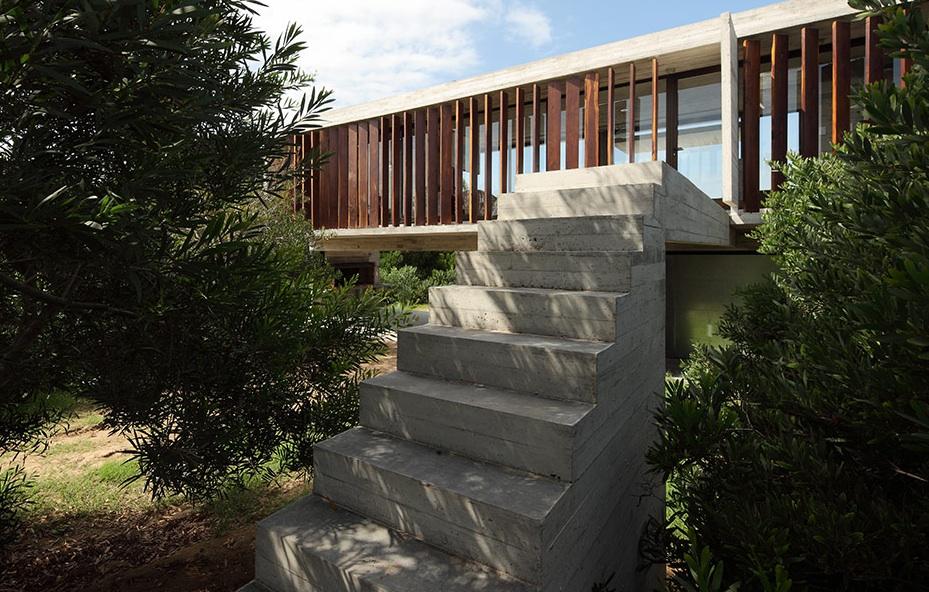 the_tree_mag-costa-esmeralda-house-by-mara-victoria-besonas-luciano-kruk-60.jpeg