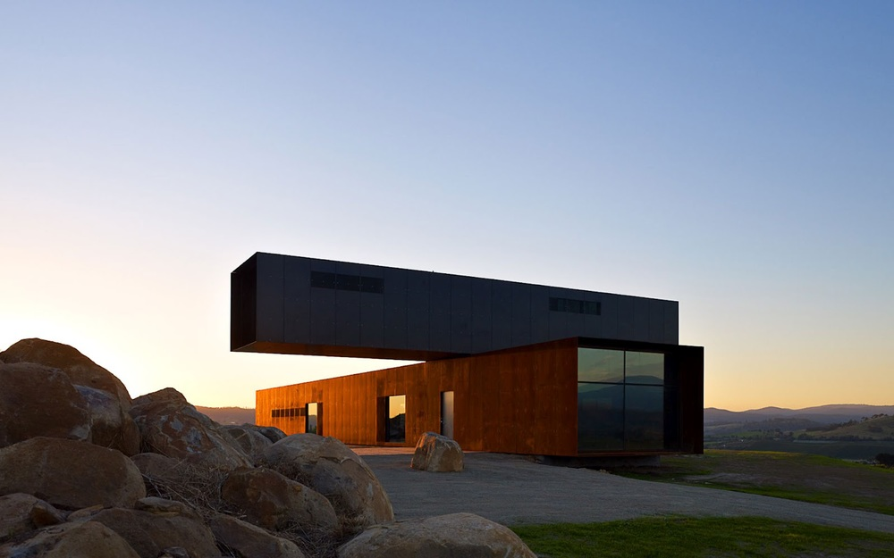 the_tree_mag-view-hill-house-by-denton-corker-marshall-10.jpg